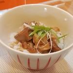 らぁ麺 桃の屋 - チャーシュー丼 250円