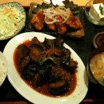 高山 - 麻婆なす・白身魚フライ定食(819円)