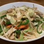 一休 - 定番メニューの野菜炒め