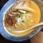 麺Dining比内地鶏白湯らーめん志道 - ラーメン 太麺 チャーシュートッピング
