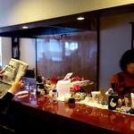 ヴィヴィ食堂 - ヴィヴィ食堂 @上板橋 店内 カウンター席