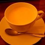 cafe JINA - チャイは、ちと薄め・・・。