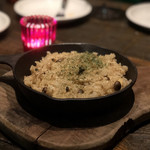 grilled beef winebar zuiji - 隠し味に牡蠣を使ったキノコのガーリックライス