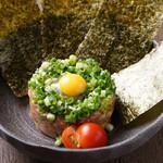 たかの家 - 料理写真:マグロとアボカドのユッケ