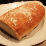 オステリア ベオーネ - もちろんパンも自家製です!