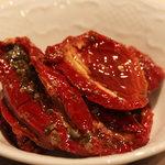 オステリア ベオーネ - 軽いおつまみに!ドライトマトのオイル漬け