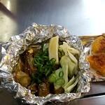 お玉のキャベツ - 牡蠣のホイル焼き
