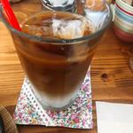 ミツバチガーデン カフェ - グラッセミルクコーヒー