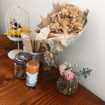 ミツバチガーデン カフェ - テーブル周り