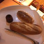ピッコロモンド - 料理写真:カヌレ プチバタール ハチミツバターサンド