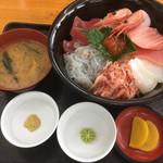 小川港魚河岸食堂 - 海鮮丼(上)