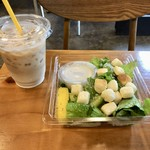 POTAMELT - シーザーサラダ&アイスカフェラテ