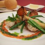 マゼランズ - 料理写真:オマール海老のポワレ、トマトクリームソース