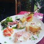 イタリアンレストラン ぼのボ~ノ - 料理写真:バリューセットの前菜盛合わせ(毎日内容が変わります)