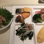 カトレア - 朝食ビュッフェ2700円(総額)。オムレツ、ベーコンなど。オムレツの焼き加減が絶妙で、私の好みにぴったりです(╹◡╹)。和惣菜は、これだけです(^_^;)
