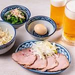 満州軒 - おつまみ各種とビール
