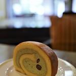 竹の丸カフェ - 料理写真:掛川グランドホテルのロールケーキ