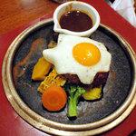 日本の洋食キートン - 自家製デミグラソースのハンバーグ1200円