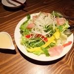 ビアバー ベアレン 中ノ橋 - 気まぐれ野菜のミックスサラダ