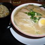 11540711 - 中華そば(玉子麺) チャーハンセット(小)730円