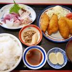 まるろ - 地魚の白身フライとお刺身セット定食 1,620円