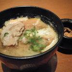 かつ六 - 定食の味噌汁を、50円プラスで豚汁に変えることもOK!1日10食!