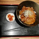 帯広炭火焼豚丼 豚吉 - 豚丼(中)ライス少な目