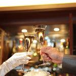 バー コンチネンタル - 結婚二次会パーティに最適な広さ♪|着席ブッフェスタイル/¥4,000~/30~40名様まで