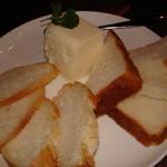 いりふね - 自家製チーズ豆腐 パンに付けて