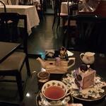 カフェ シャンソニエ アコリット -