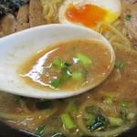 中華そば 我っ天 - 味噌のスープ