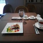 レストラン サロン