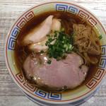ラーメン家 あかぎ - 料理写真:醤油中華そば 780円(2019年9月) 派手さなどはないですが非常によくできた美味しい中華そばでした。