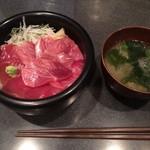 まぐろだけボーノ 白川 - 赤身とろ丼・シャリ大盛り(1,050円)