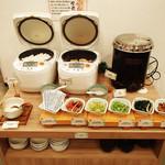 ティーケーピー カフェテリア - ※休止中※【朝食ビュッフェ】ご飯、お味噌汁、トッピング各種
