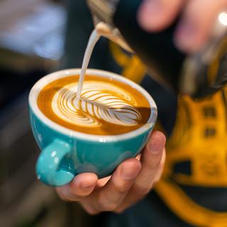 カフェ・デザートのメニューも充実。カフェ利用も食後の1杯でも