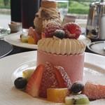 115446662 - 夏季限定 レクラン(赤スグリと紅茶のケーキ)