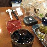 旬菜中華 凛花 - 3種のベリージュースとアイスコーヒー(ランチタイムサービス) セルフ