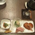 かね田 宝庵 - 酒肴3種盛り…だけど5種あります〜