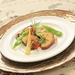 ヴィーナスコート 佐久平 - 県内産野菜をバーニャカウダサラダにして