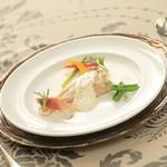 ヴィーナスコート 佐久平 - 信州産地鶏の蒸し焼き バンブランソース
