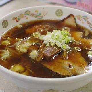 やはた - 料理写真:しょうゆチャーシューワンタンメン