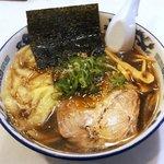 115468549 - らーめん 菊次郎 「醤油ラーメン+ワンタン」