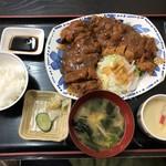 月日亭 - チキンカツ定食