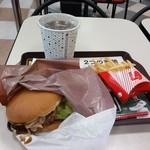 ロッテリア - 3種きのこの肉厚バーガー