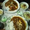 がるそん - 料理写真:野菜カレーとチキンカレー(二つとも半ライス)