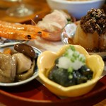 DobuRoku かに・えび・酒 - おばんざい5種盛り
