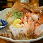 DobuRoku かに・えび・酒 - 2種かにの刺身食べ比べ、3種えびの刺身食べ比べ