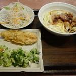 実演自家製麺 甚八 - 天ぷらなど