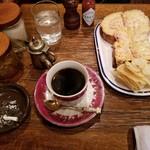 西琲亜 - コーヒーとトースト。